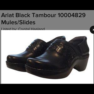 Ariat black Tambour clogs wmns size 10